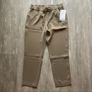 Lululemon On The Fly 7/8 Pant Woven - Frontier